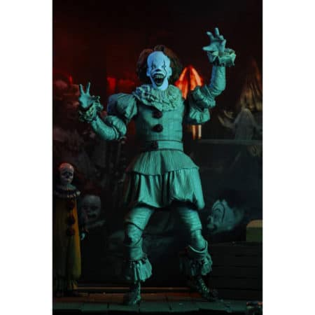 NECA45467 - Stephen Kings - Es - Ultimate Pennywise - Actionfigur - 18 cm