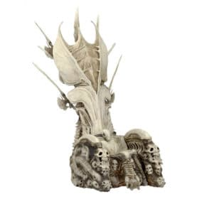 Predator: Diorama Bone Throne - 35 cm