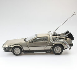 Back to the Future I: 1983 DeLorean - Time Machine - Dicast Modell - Masstab 1:18