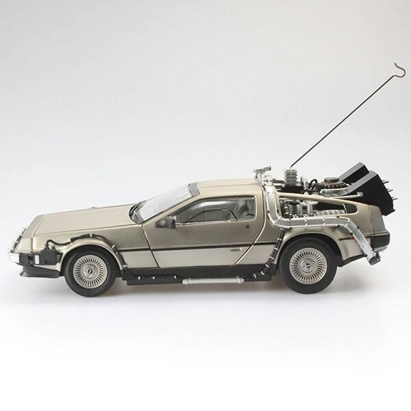 Back to the Future I: 1983 DeLorean - Time Machine - Dicast Modell - Masstab 1:18