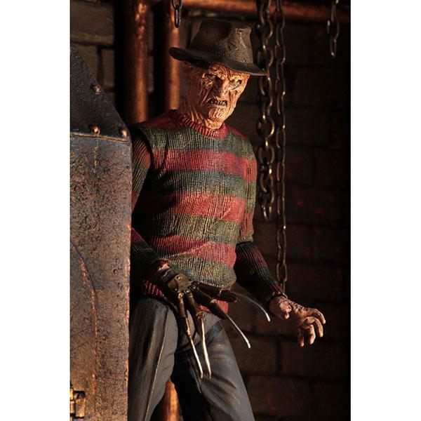 Nightmare On Elm Street 2: Ultimate Freddy Krueger - Actionfigur - 18 cm